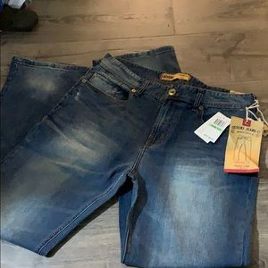 Brand new Men's Seven7 Jeans 34Wx32L Straight fit
